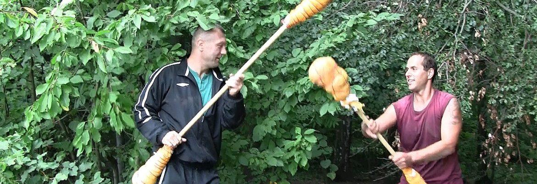 Juraj-Král-v-souboji-šťouchadly-s-legendou-MMA-Ladislavem-Žákem